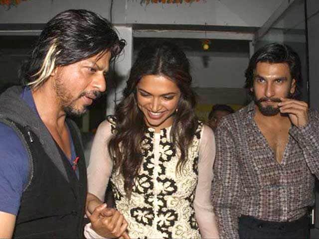 Video : Shah Rukh Khan parties with <i>Ram-Leela</i> actors