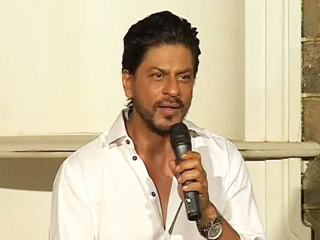Video : This Diwali, Bollywood stars gave peace a chance