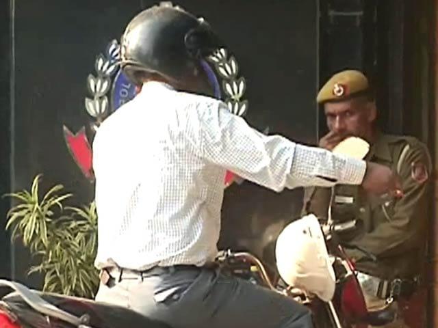 Video : दिल्ली का हाल, वर्दी का भ्रष्टाचार