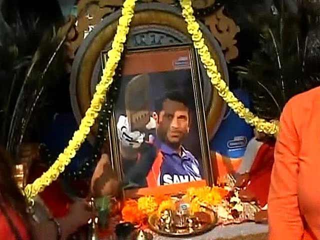 Video : The Sachin mobile temple