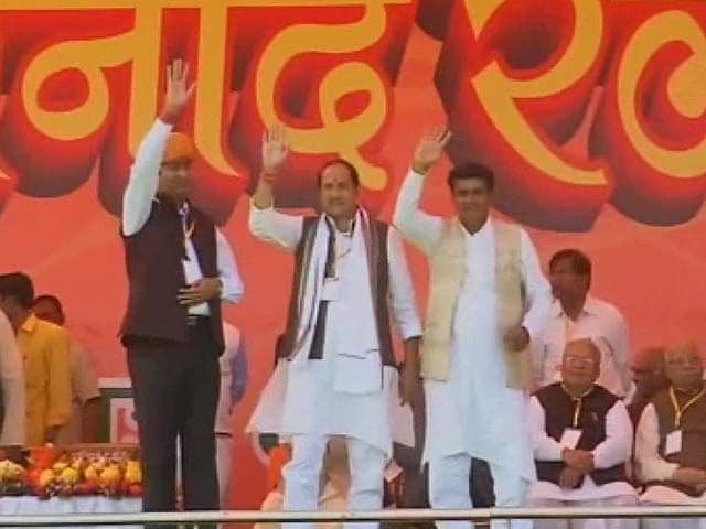 Video : Riot-accused are 'guests of honour' at Narendra Modi, Mulayam Singh rallies