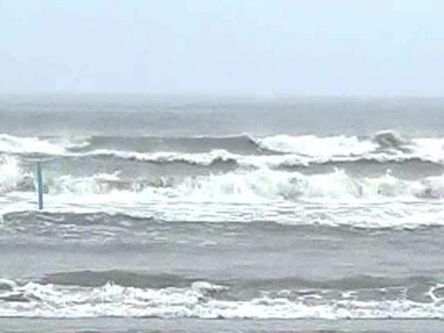Video : Cyclonic storm Lehar weakens, turns into deep depression