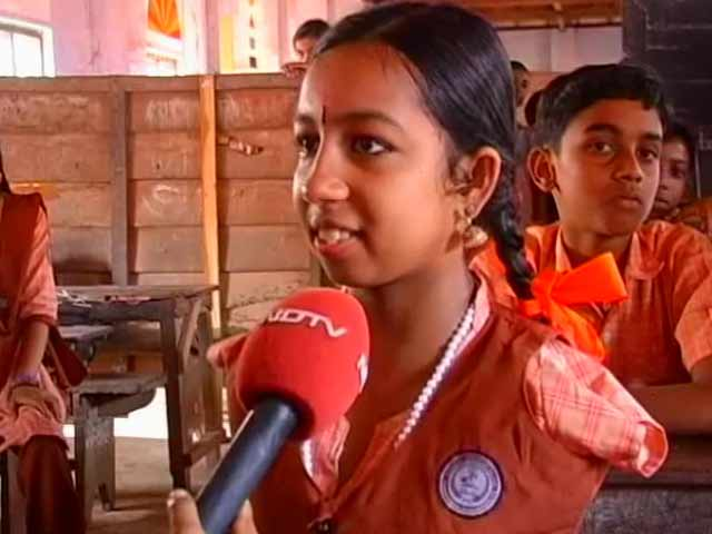 Video : She writes, paints and plays the keyboard, with her feet: the story of little Kanmoni