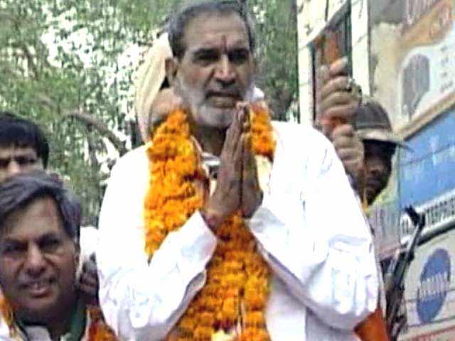 Video : Supreme Court dismisses Sajjan Kumar's plea, asks him to face trial for murder