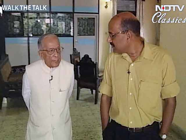 Video : Walk The Talk: Jyoti Basu (Aired: May 2004)