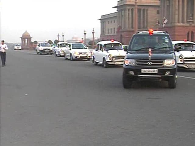Video : Supreme Court shows red light to VIPs and their 'lal battis'