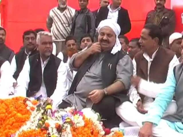 Video : This Samajwadi Party candidate has 43 criminal cases and is proud of them