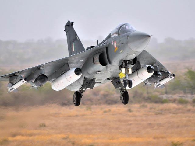 Video : वायुसेना में शामिल होगा लड़ाकू विमान 'तेजस'