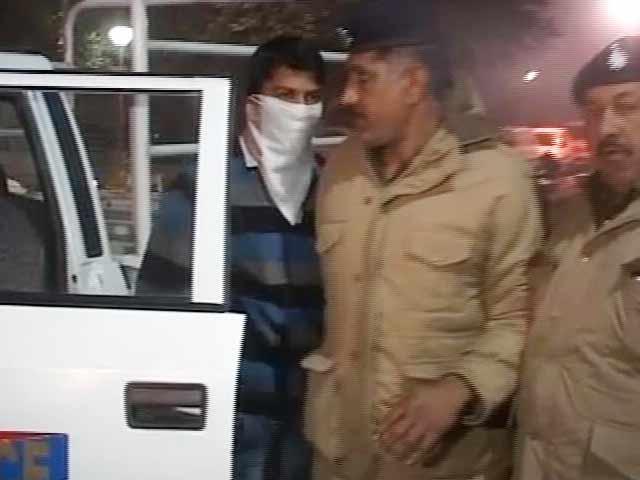 Videos : चंडीगढ़ : पांच पुलिसवालों ने किया नाबालिग से गैंगरेप