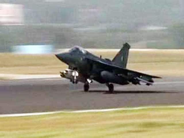 Video : लड़ाकू विमान 'तेजस' वायुसेना में शामिल होने को तैयार