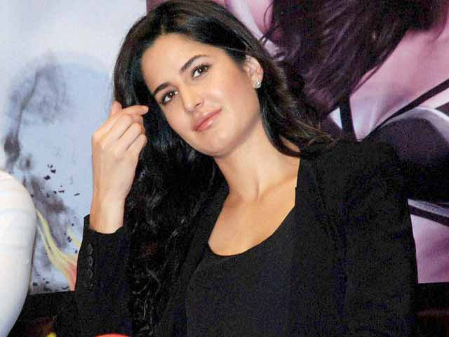Video : Katrina Kaif prays at Ajmer Sharif