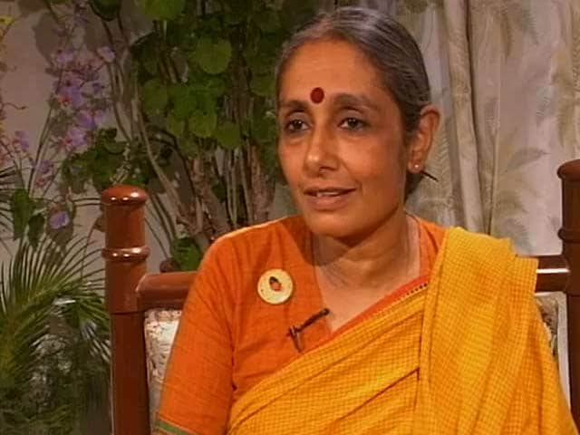 Video : Talking Heads with Aruna Roy (Aired: 2000)