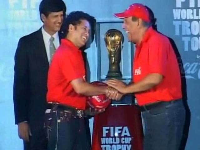 Video : Sachin Tendulkar, Sourav Ganguly welcome FIFA World Cup trophy in India