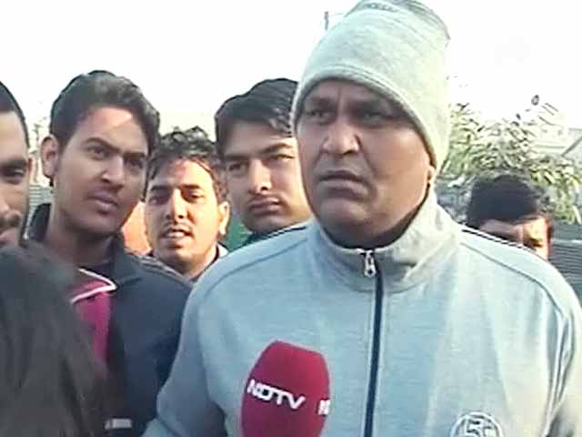 Videos : नाराजगी की बात से विनोद बिन्नी का इनकार