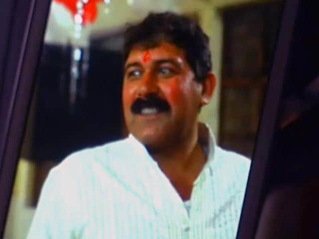 Videos : दिल्ली में शराब माफिया ने सिपाही की हत्या की