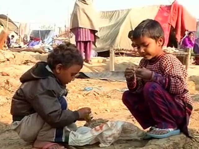 Video : Muzaffarnagar riots victims evicted from relief camp, left out in the cold