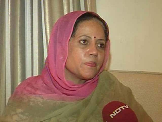 Video : Allegations of graft against Virbhadra Singh a conspiracy, claims his wife