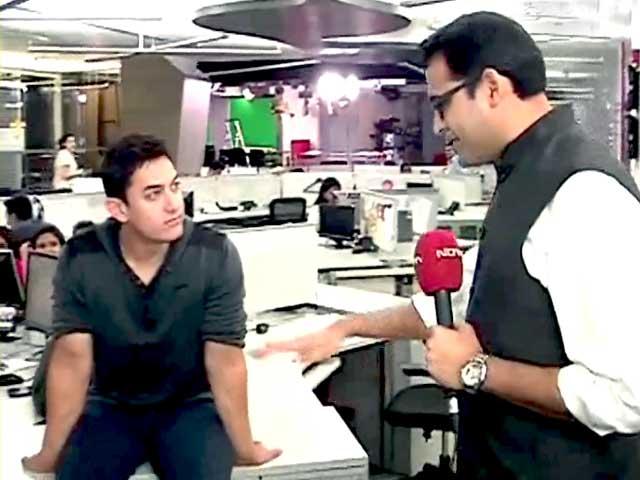 Videos : आप पार्टी राजनीति में कुछ नया लाई है : आमिर