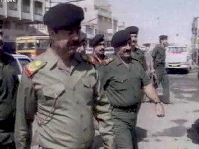 Video : The World This Week: Saddam Hussain pulls back troops from Kuwait border (Aired: October 1994)