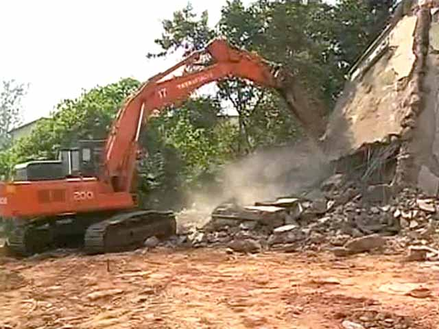 Video : Goa building collapse: Rescue operations stopped; 17 bodies recovered, 12 missing