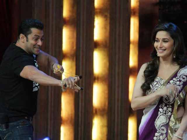 Salman, Madhuri to perform at Mulayam Singh Yadav's village
