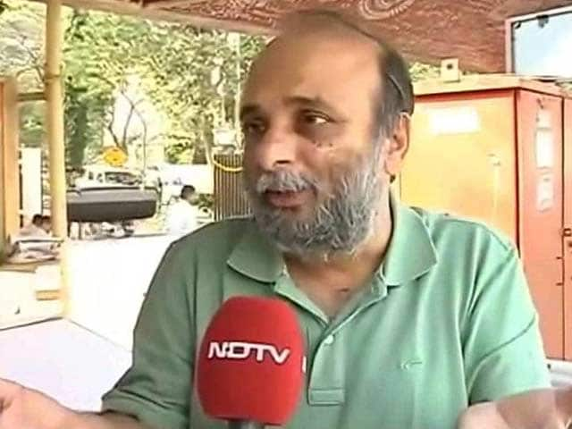 Video : Mumbai professor 'punished' for speaking out, AAP joins students' protest
