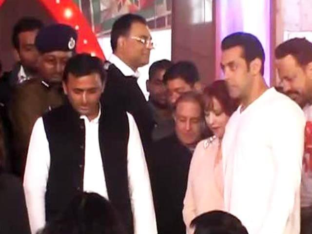 Video : Akhilesh's Bollywood night: Muzaffarnagar victims forgotten?