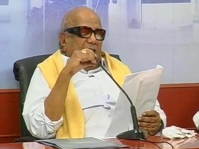 Video : DMK family feud worsens, Karunanidhi suspends five loyalists of elder son Alagiri