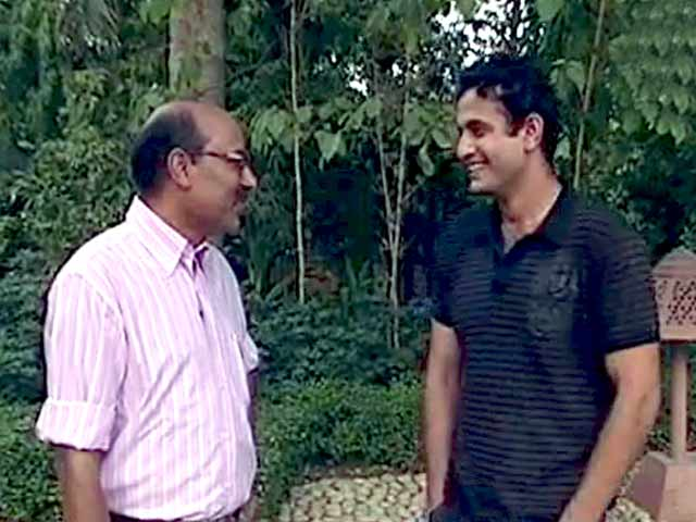 Video : Walk The Talk with Irfan Pathan (Aired: May 2006)