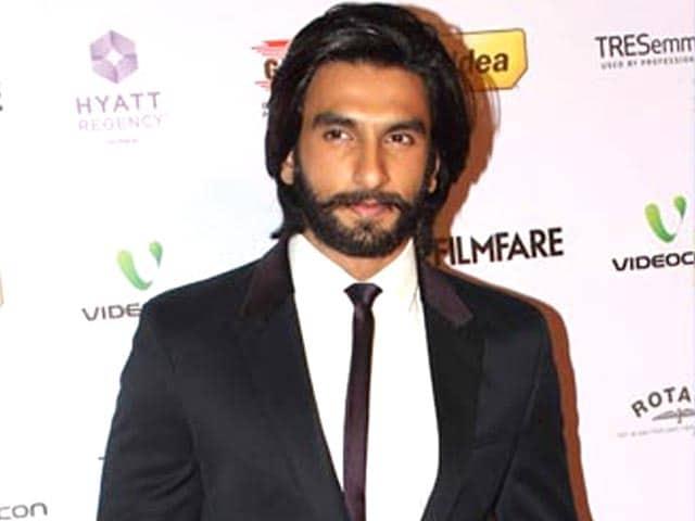 Ranveer Singh to host music awards show