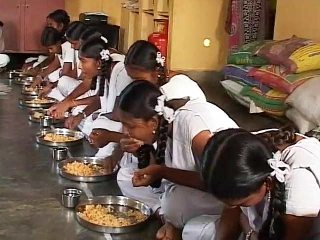 Video : Rs 20 for food, all expenses: Girls in these Karnataka hostels deprived twice over?