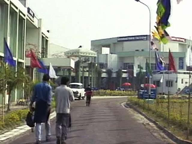 Video : Limelight: Kolkata hosts first International Student Film Festival (Aired: 2002)