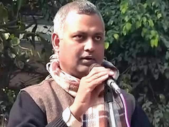 Video : कानूनमंत्री सोमनाथ भारती ने फिर दिया विवादित बयान
