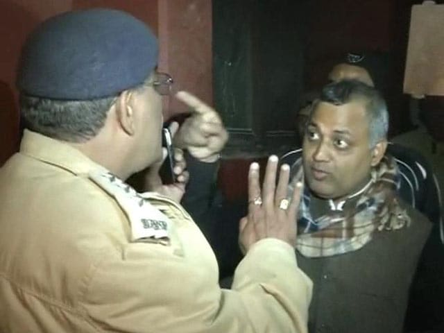 Video : 'Dear Chief Minister, sack Somnath Bharti': Pressure on AAP to act against Law Minister