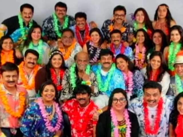 Video : Mohanlal hosts beach party for the 80s Southern stars