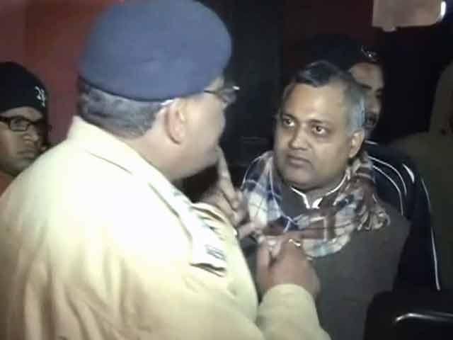 Videos : खबरों की खबर : कानून से ऊपर कानूनमंत्री?