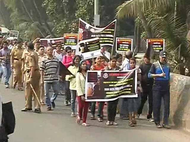 Video : Mumbai: Anger over TCS techie's death, cops suspect rape and murder