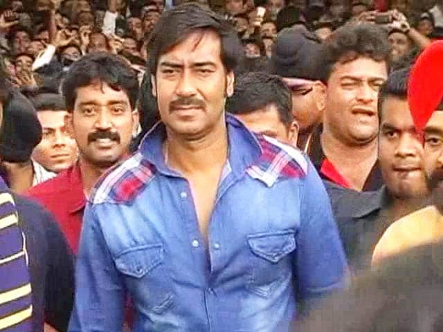 Video : Ajay Devgn: Busy in <i>Action</i>