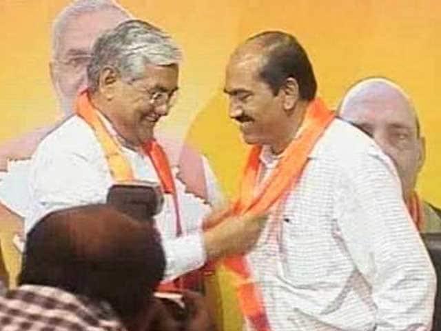 Video : Another Patel leader in Gujarat dumps Congress to join Narendra Modi's BJP