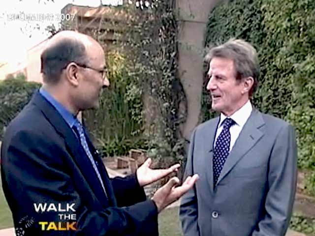 Video : Walk The Talk with Bernard Kouchner (Aired: December 2007)