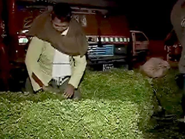 Video : आजादपुर मंडी में व्यापारियों की हड़ताल खत्म
