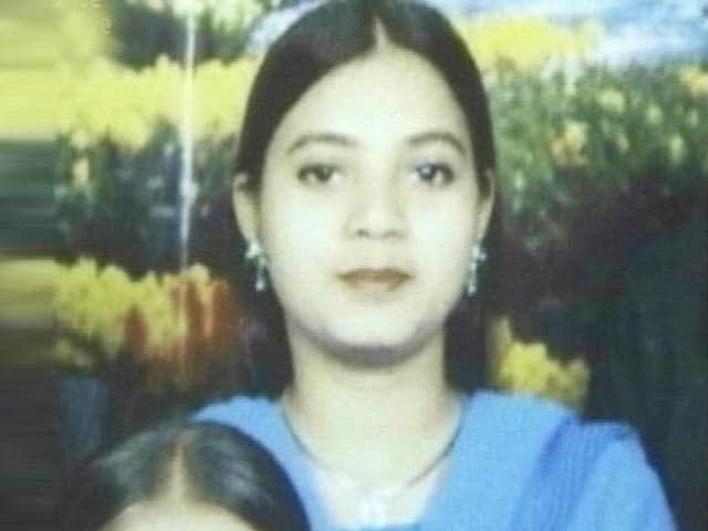 Video : Ishrat Jahan killing: Former Intelligence Bureau officer charged with murder