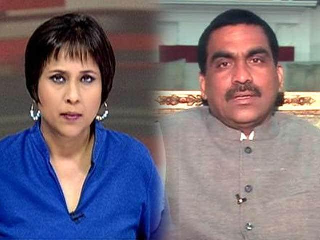 Video : Stuck in Telangana trap, Congress cracks the whip
