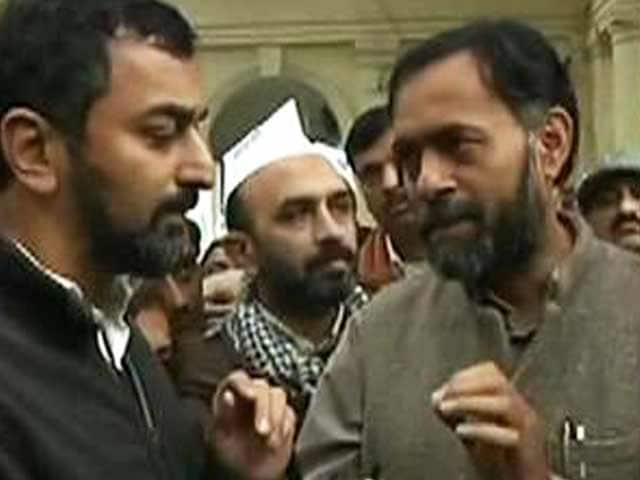 Video : Decision on Arvind Kejriwal's resignation after he returns to party office: Yogendra Yadav to NDTV