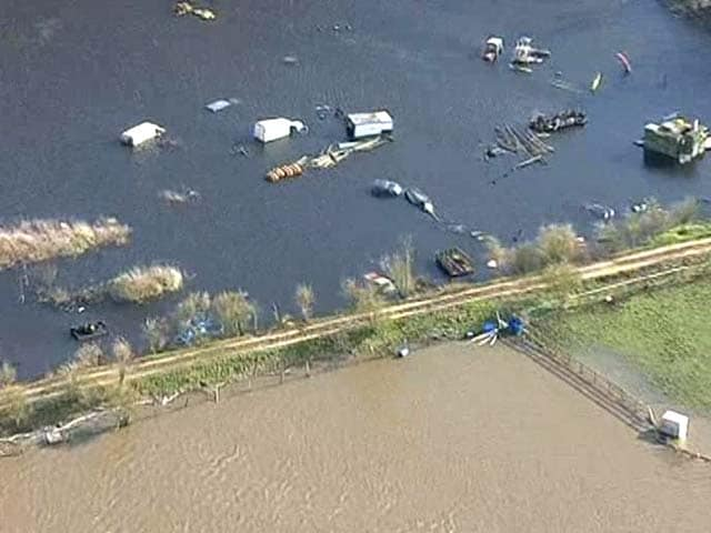 Video : Heavy rain claims several lives in Britain, severe flood warnings announced