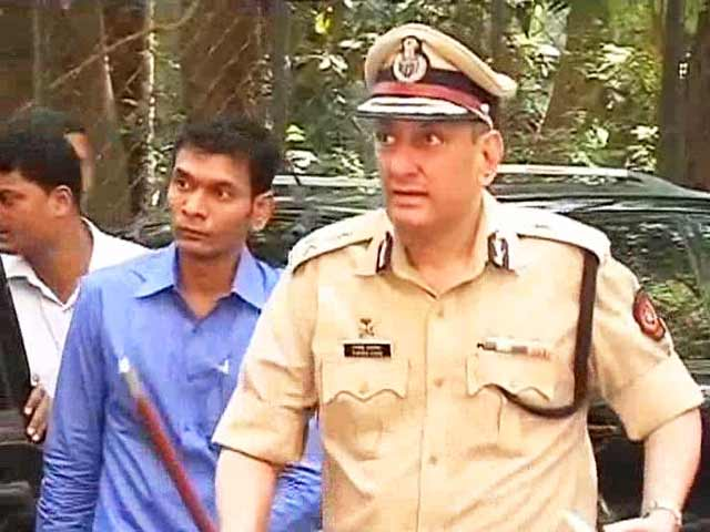 Video : Row over Mumbai's new police commissioner heats up: Two senior cops go on protest leave