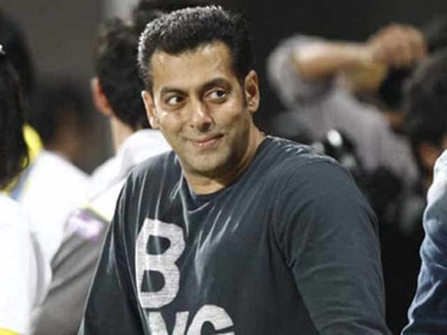 Video : Salman to play double role in Sooraj Barjatya's film?