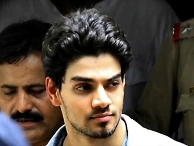 Video : Suraj Pancholi begins shooting for <i>Hero</i>