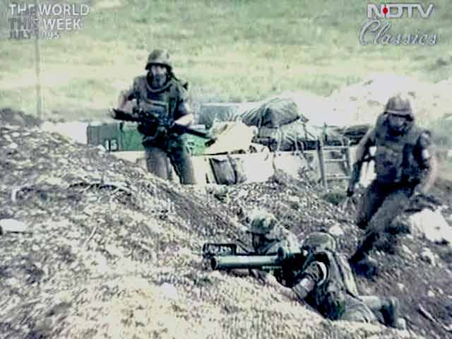 Video : The World This Week: West threatens military action in Bosnia (Aired: July 1995)