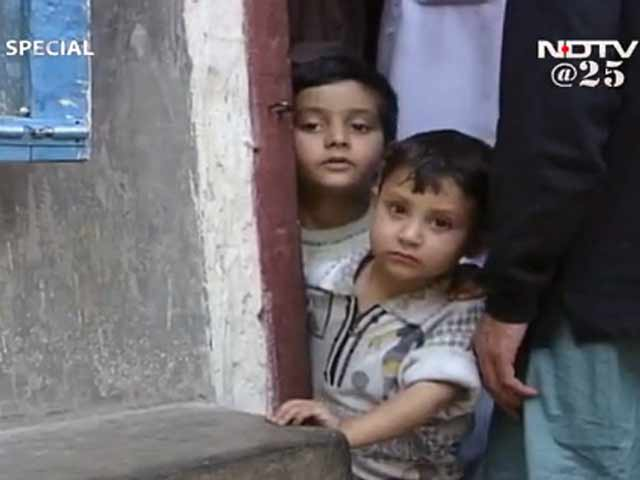 Video : The impact of violence in Kashmir on children (Aired: 2001)